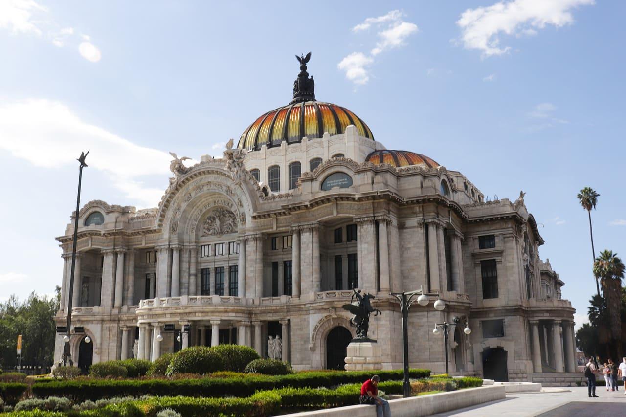 Paseo de la Reforma y Palacio de Bellas Artes